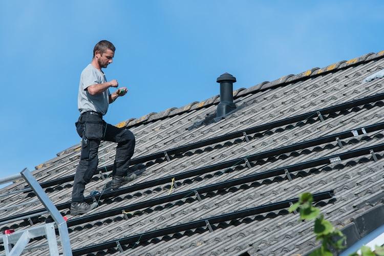 Zonnepanelen prijs berekenen voor oppervlakte dak
